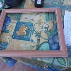 Antigüedades: BONITO CUADRO PEQUEÑO DECORACION CON MARCO DE MADERA 35X29. Lote 28840097