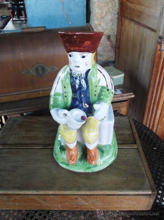 JARRA PORTUGAL TOBY COPIA DEL XVIII. FIRMADA. 30 CM ALT. (Antigüedades - Porcelanas y Cerámicas - Otras)