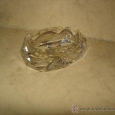Antigüedades: BONITO SALERO O ESPECIERO - CRISTAL DE BACARRAT FACETADO CON CUCHARRILLA - -VER FOTO . Lote 31580578