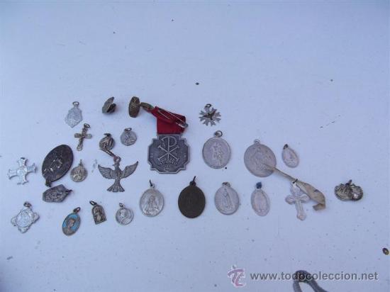 25 MEDALLAS RELIGIOSAS (Antigüedades - Religiosas - Medallas Antiguas)