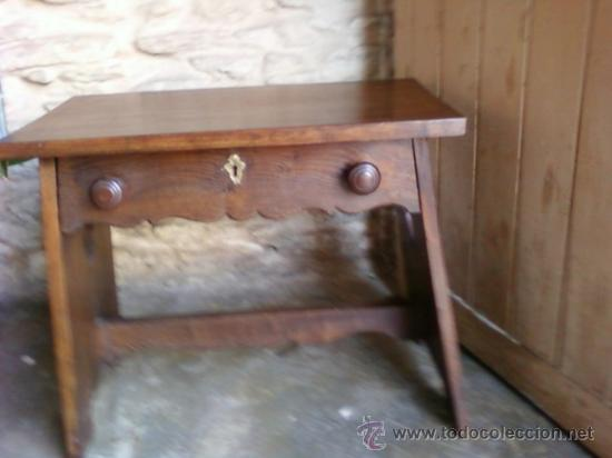 MESA. MESITA BAJA (Antigüedades - Muebles Antiguos - Mesas Antiguas)