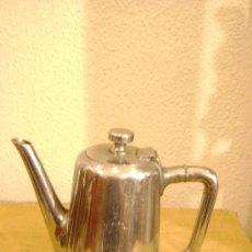 Antigüedades: CAFETERA EN ALPACA PLATEADA. Lote 34692886