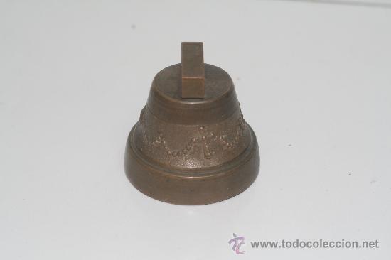Antigüedades: Campana de bronce. Medidas 5.5 cm de alto por 5.5 cm de diámetro. - Foto 4 - 28982853