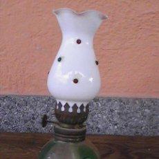 Antigüedades: ANTIGUO Y PRECIOSO QUINQUE DE CRISTAL CON TULIPA BLANCA, ESTILO OPALINA. Lote 29013237
