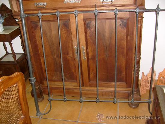 CABECERO CAMA DE HIERRO (Antigüedades - Muebles Antiguos - Camas Antiguas)
