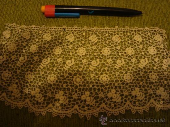 Antigüedades: precioso y antiguo encaje, tipo guipure guipur, ideal tocado virgen , ancho 11,5 cm - Foto 4 - 29044592