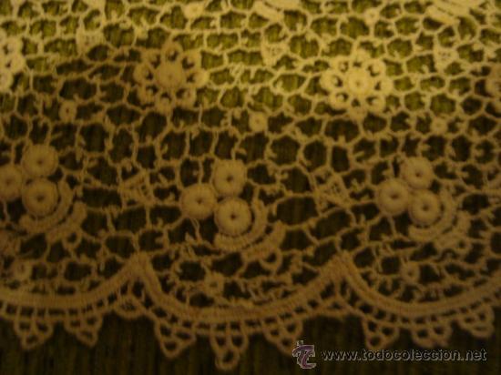 Antigüedades: precioso y antiguo encaje, tipo guipure guipur, ideal tocado virgen , ancho 11,5 cm - Foto 2 - 29044592