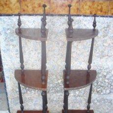 Antigüedades: 2 ESQUINERAS CON BALDAS DE PALOSANTO. Lote 242458140