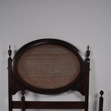 Antigüedades: CAMA DE MADERA DE MOGNO D.MARIA. Lote 29051988