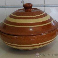 Antigüedades: SOPERA DE TERRACOTA DECORADA. Lote 29054863