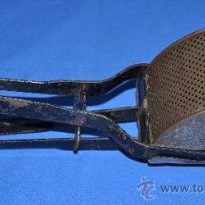 Antigüedades: EXPRIMIDOR PARA HACER PURÉ.. Lote 29071940