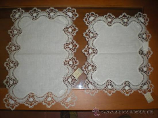Bandejas ABANICO 2X4 52x34cm y 2x3 42x34cm, con encaje de bolillos de Camariñas. SIN ESTRENAR., usado segunda mano