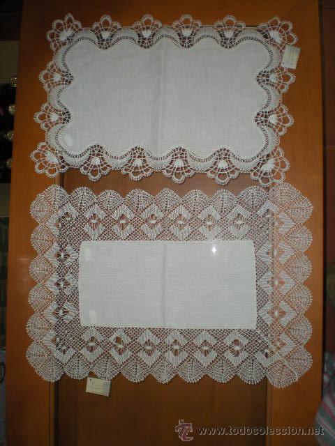 Bandejas CONCHA ANCHA 55x38cm y ABANICO 4x2 41x29cm, encaje de bolillos de Camariñas. segunda mano