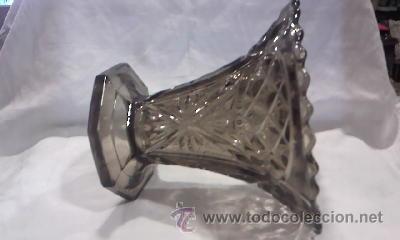 Antigüedades: jarrón de cristal bohemia tallado color humo fabricado en bélgica.En la base tiene inscripción. - Foto 4 - 29171149