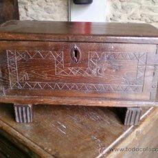 Antigüedades: ARCA PEQUEÑA DE CASTAÑO. Lote 29204193