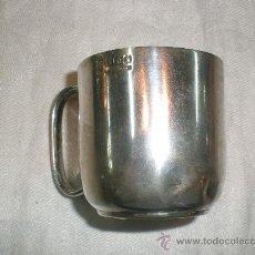 Antigüedades: TAZA DE METAL INGLES. Lote 29204380