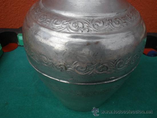 Antigüedades: ANTIGUO FLORERO METÁLICO. ESTAÑO? - Foto 2 - 29302496