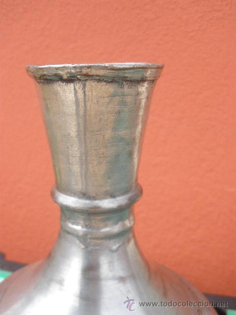 Antigüedades: ANTIGUO FLORERO METÁLICO. ESTAÑO? - Foto 5 - 29302496