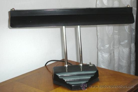 LAMPARA DE MESA ESTILO ART DECO, AJA, FUNCIONA. (Antigüedades - Iluminación - Lámparas Antiguas)