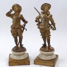 Antigüedades: PAREJA DE FIGURAS DE BRONCE DE MOSQUETEROS. SIGLO XIX, 23 CM. DE ALTURA TOTAL, .. Lote 29305384