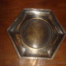 Antigüedades: ANTIGUO PLATO DE METAL, CHAPADO . AÑOS 40. Lote 29326915