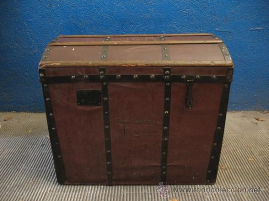 ANTIQUISIMO BAUL DE TRANSPORTE DE ROPA (Antigüedades - Muebles Antiguos - Baúles Antiguos)