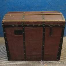 Antigüedades: ANTIQUISIMO BAUL DE TRANSPORTE DE ROPA. Lote 29336371