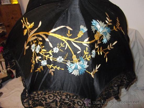 Antigüedades: antigua sombrilla parasol medianos siglo XIX seda y bordado paraguas - Foto 8 - 29337380