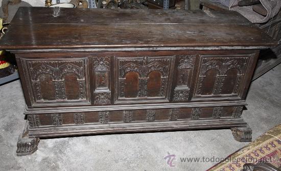 Antigüedades: Magnífica arca catalana en nogal s.XVIII. Con interior tapa tallada, . - Foto 10 - 29331685