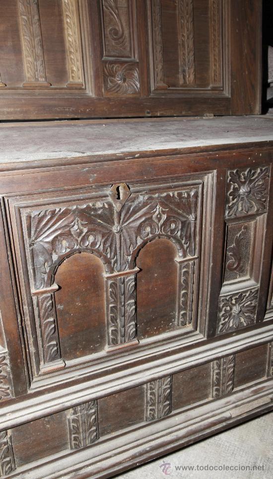 Antigüedades: Magnífica arca catalana en nogal s.XVIII. Con interior tapa tallada, . - Foto 7 - 29331685