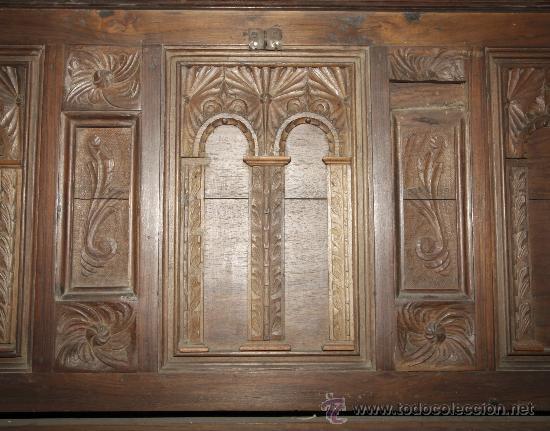 Antigüedades: Magnífica arca catalana en nogal s.XVIII. Con interior tapa tallada, . - Foto 6 - 29331685