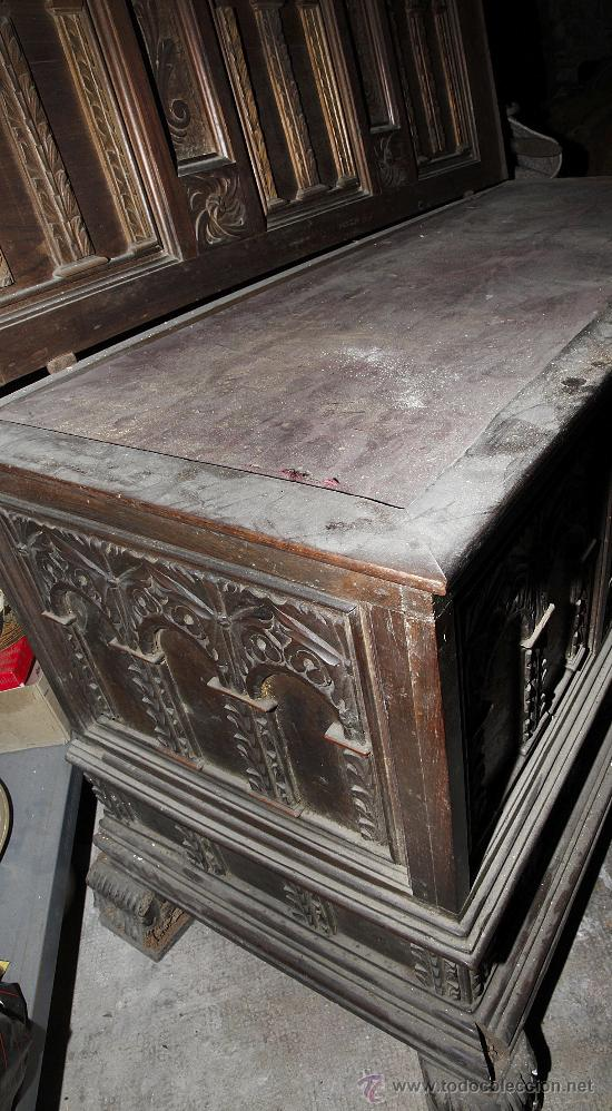 Antigüedades: Magnífica arca catalana en nogal s.XVIII. Con interior tapa tallada, . - Foto 5 - 29331685