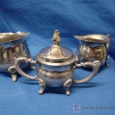 Antigüedades: - ANTIGUAS JARRAS Y OLLA DE METAL PLATEADO DE PEQUEÑO TAMAÑO - MUY CURIOSAS. Lote 29435443