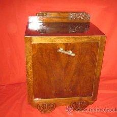 Antigüedades: PRECIOSA MESILLA MODERNISTA RECIEN RESTAURADA.. Lote 29392508