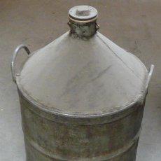 Antigüedades: ANTIGUO RECIPIENTE O ZAFRA METALICO PARA ACEITE - AÑOS 50. Lote 29421964