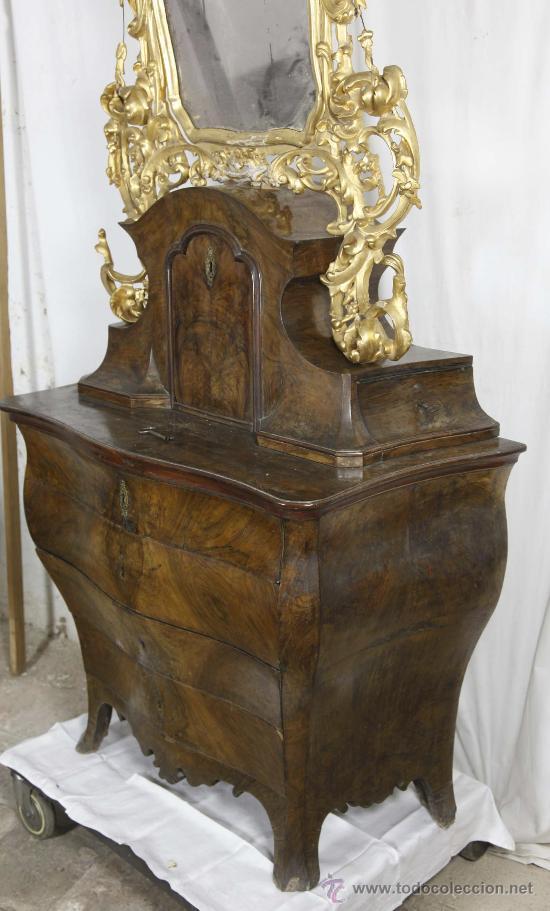 Antigüedades: Importante pequeña cómoda catalana de pubilla con espejo, siglo XVIII. En raiz de nogal, ver. - Foto 2 - 29447319