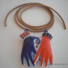 Antigüedades: FETICHE COLGANTE BIMAN (GRANDE) CON CORDON DE CUERO DE SARGADELOS. EN. Lote 96610567