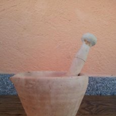Antigüedades: PRECIOSO MORTERO EN BARRO, ARTESANAL.. Lote 29567624