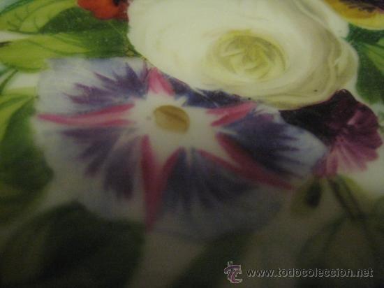 Antigüedades: Preciosos centros de mesa-fruteros ingleses con porcelana decorada a mano s. XIX - Foto 8 - 29675970