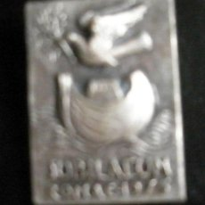 Antigüedades: ALFILER JUBILEO 1975- 3 X 2 CM. Lote 29723396