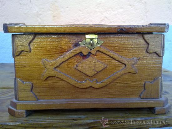 PRECIOSO BAUL O ARCA EN MADERA PARA JOYERO. (Antigüedades - Muebles Antiguos - Baúles Antiguos)