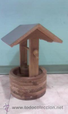 Antigüedades: Pozo con cubo,manivela y tejado hecho en madera de los 90 - Foto 2 - 29765551