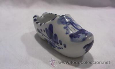 BONITO ZUECO DE CERÁMICA HOLANDESA PINTADO A MANO (Antigüedades - Porcelana y Cerámica - Holandesa - Delft)