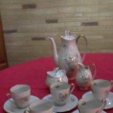 Antigüedades: ANTIGUO JUEGO DE CAFÉ INCOMPLETO LE FALTA UNA TAZA.MARCA JOHANN SELMAN VAHENSTRAUS BAVARIA. Lote 29926699