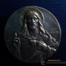 Antigüedades: MEDALLA - PASADOR- DEL SAGRADO CRAZON DE JESUS ,PLATA. Lote 29957409