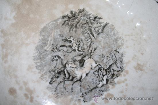 Antigüedades: FUENTE CIRCULAR. FÁBRICA DE CARTAGENA. CAZA DE POTROS SALVAJES. SIGLO XX - Foto 3 - 29962852