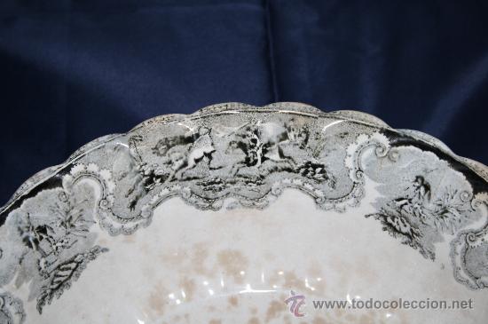 Antigüedades: FUENTE CIRCULAR. FÁBRICA DE CARTAGENA. CAZA DE POTROS SALVAJES. SIGLO XX - Foto 6 - 29962852