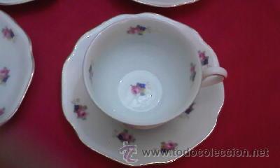 Antigüedades: Juego de vajilla de Bohemia decorada con pequeñas flores rosas.21 Piezas en total - Foto 2 - 29978343