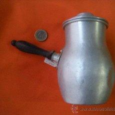 Antigüedades: COCINA. ANTIGUA CHOCOLATERA DE ALUMINIO. Lote 30014644