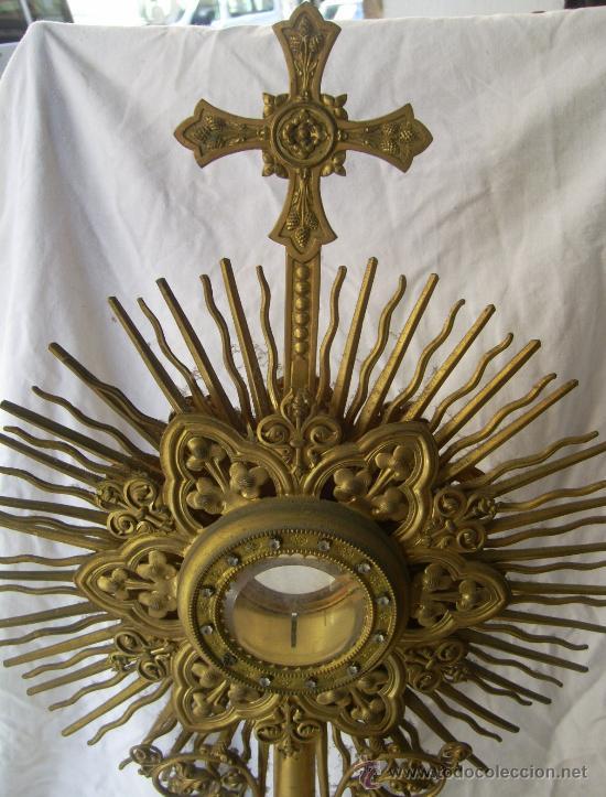 Antigüedades: Custodia / Sagrario/ Relicario, de bronce dorado. Siglo XIX. - Foto 2 - 30003510